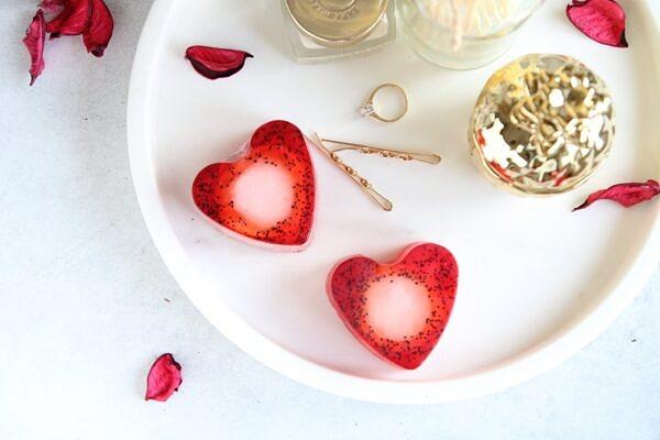sudamekujuline-maasika-seep